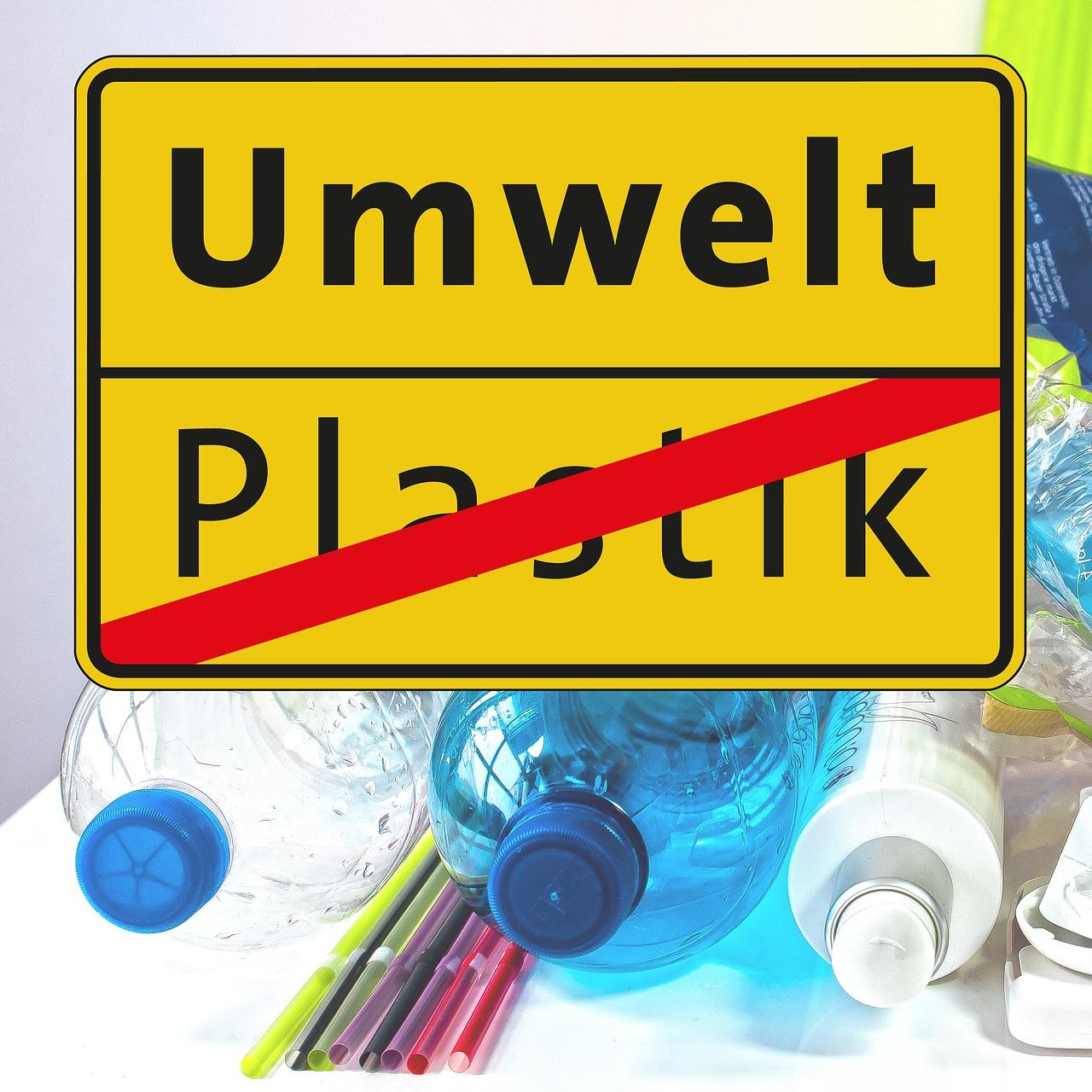 Plastikflaschen (c) Bild von Thanks for your Like • donations welcome auf Pixabay